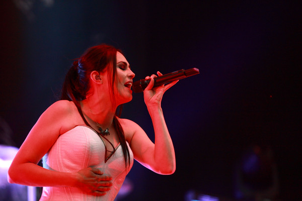 Symphonisch - Fotos: Within Temptation live bei Rock im Revier 2015