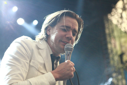 Partytime - Fotos: The Hives live bei Rock im Revier 2015